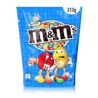 M&M´s Crispy Beutel 2x213g & eine Sammel-Tasse  ( Farbauswahl nicht möglich )